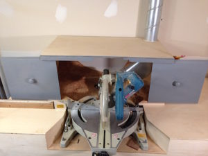 Open miter saw dust collection hood